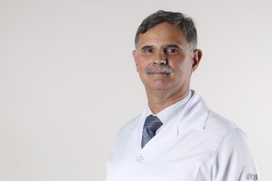 Dr. José C. Linhares