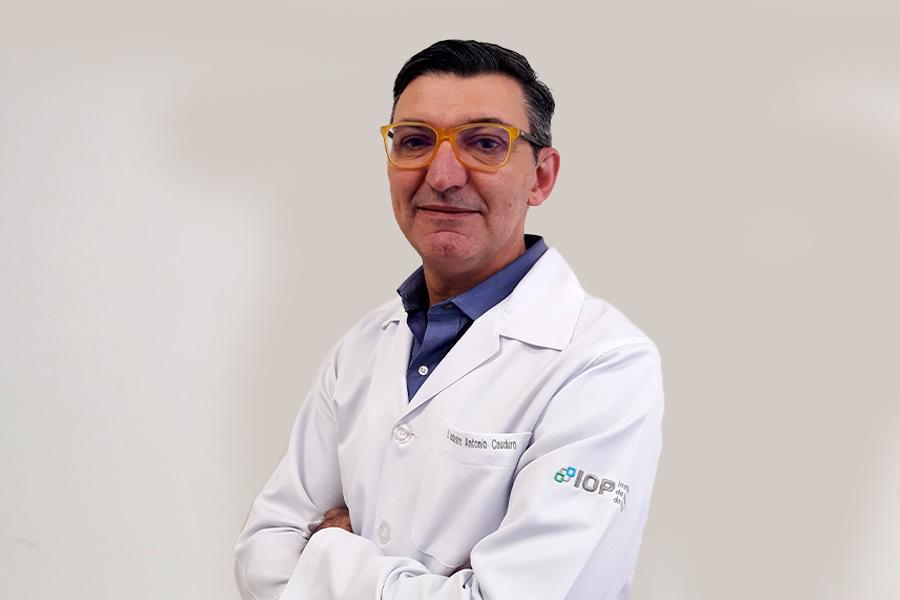 Dr. Sanderson Cauduro